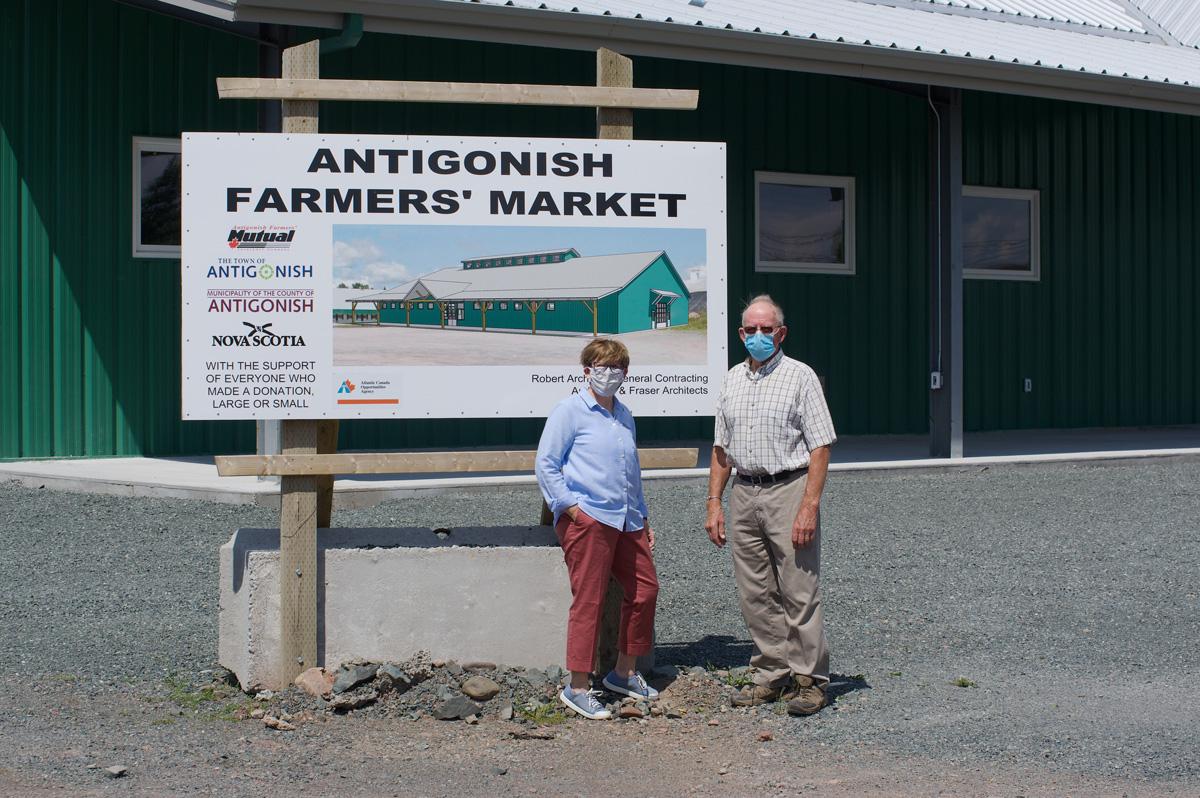 Casey Vandesande with Mayor of Antigonish Laurie Boucher